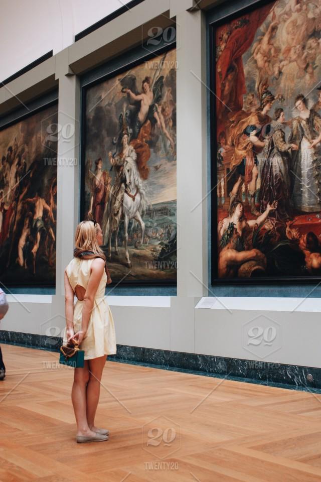 taidehistoria kuva sivulle